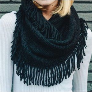 WILA Tasseled Cozy Knit Infinity Scarf Black